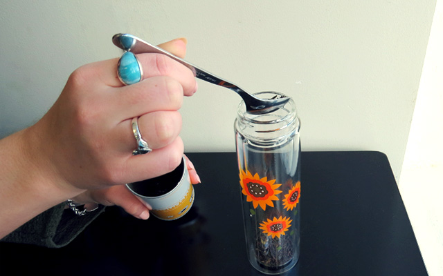 3. Drop the leaves to the bottom of your glass tumbler.